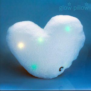 Glow-Pillow-LED-Sydän-Tyyny-1