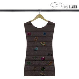 Korujärjestäjä-Shiny-Black-Dress-Hanger-1