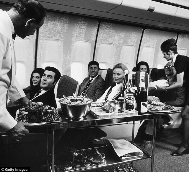 The History of the First Class in Airplanes