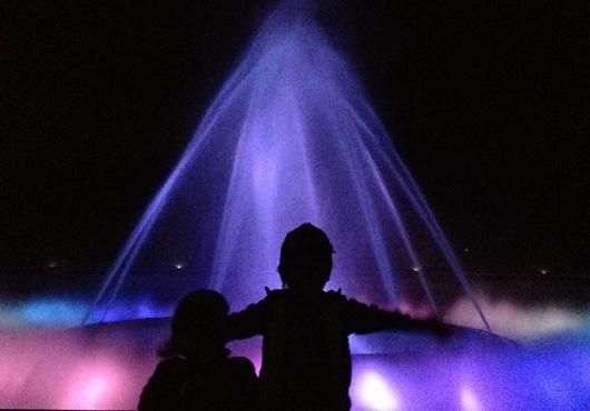 ライトアップされた【海の噴水ショー】はとっても幻想的!