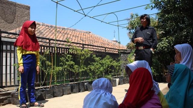 samin-bersama-boy-worang-odesa-indonesia