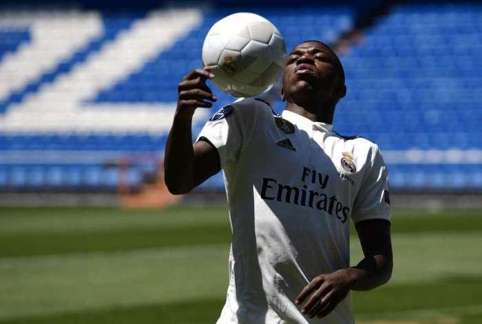 Vinicius Junior é proibido por Real Madrid de conceder entrevistas à imprensa