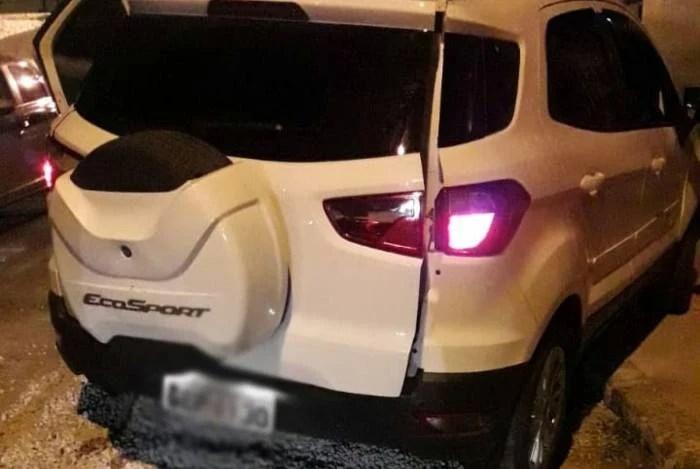 1 penha 11513516 - Homem é preso em flagrante carregando corpos mutilados dentro de sacos em carro