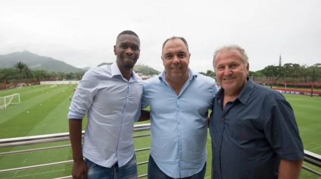 Maior ídolo do Flamengo, Zico ao lado de Juan e Marcos Braz