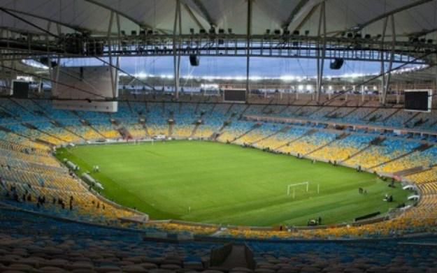 Placas contendo o nome do estádio deverão fazer menção ao milésimo gol do Pelé