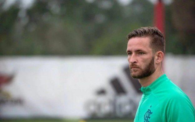 Léo Pereira está sem espaço no Flamengo