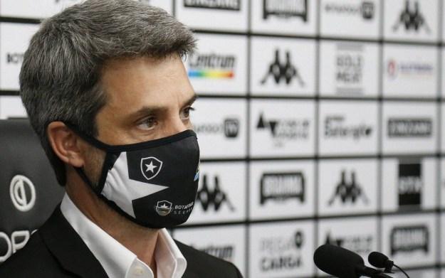 Diretor de futebol do Botafogo, Eduardo Freeland