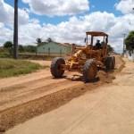 Prefeitura melhora estradas da zona rural e sinaliza vias de Arapiraca