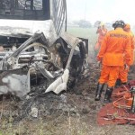 Colisão entre carro e caminhão deixa um morto na BR-423