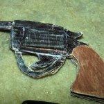 Suspeito de assalto é preso com arma de papelão em Maceió