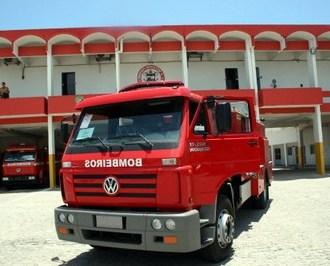 Depósito de bebidas pega fogo e bombeiros são acionados no Benedito Bentes