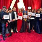 OSCAR 2020: Petra Costa e equipe fazem protesto no famoso tapete vermelho