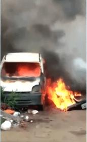 Incêndio atinge três carros no Tabuleiro do Martins