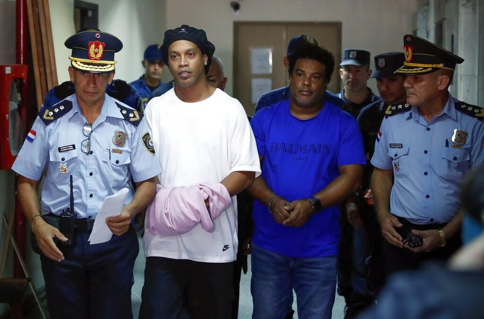 Ronaldinho Gaúcho para prestar depoimento, em 7 de março, Paraguai - Foto: Jorge Saenz/AP