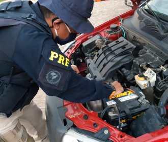 Um veículo é recuperado e uma pessoa é presa em Palmeira dos Índios