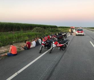 Polícia flagra racha, apreende motocicletas e notifica 8 condutores em trecho da AL-105