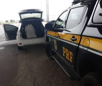 PRF prende homem com mais de 10kg de maconha na mala do carro na BR-104