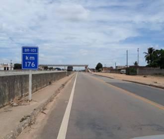 Às margens: A prostituição como sustento de travestis no interior de Alagoas