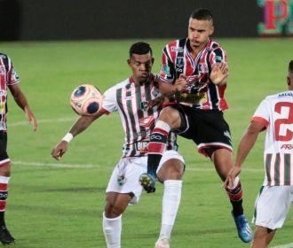 Salgueiro faz história, bate Santa Cruz e leva título pernambucano