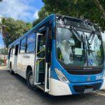 Homem assalta passageiros em ônibus no conjunto Santos Dumont