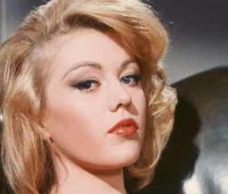 'Bond Girl' Margaret Nolan morre aos 76 anos de idade