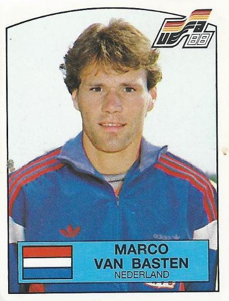 Recordamos a Marco Van Basten, que con un gol antológico fue clave para que los Países Bajos levantaran la Eurocopa el 25 de junio de 1988.