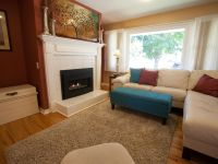 Close to everything, Amazing sun room, private backyard ...