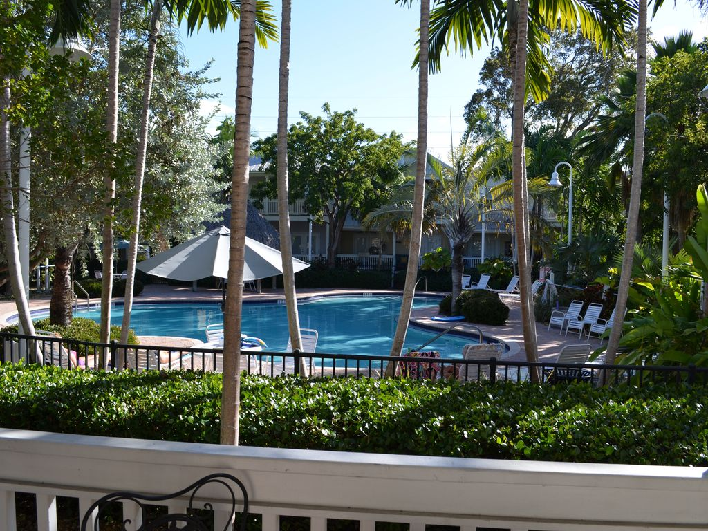 Coral Hammock Poolside Home 3 Br 3 Ba House In Key West