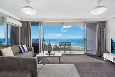 Peninsula 10th Floor Ocean View 2 Bedroom Apt Surfers Paradise