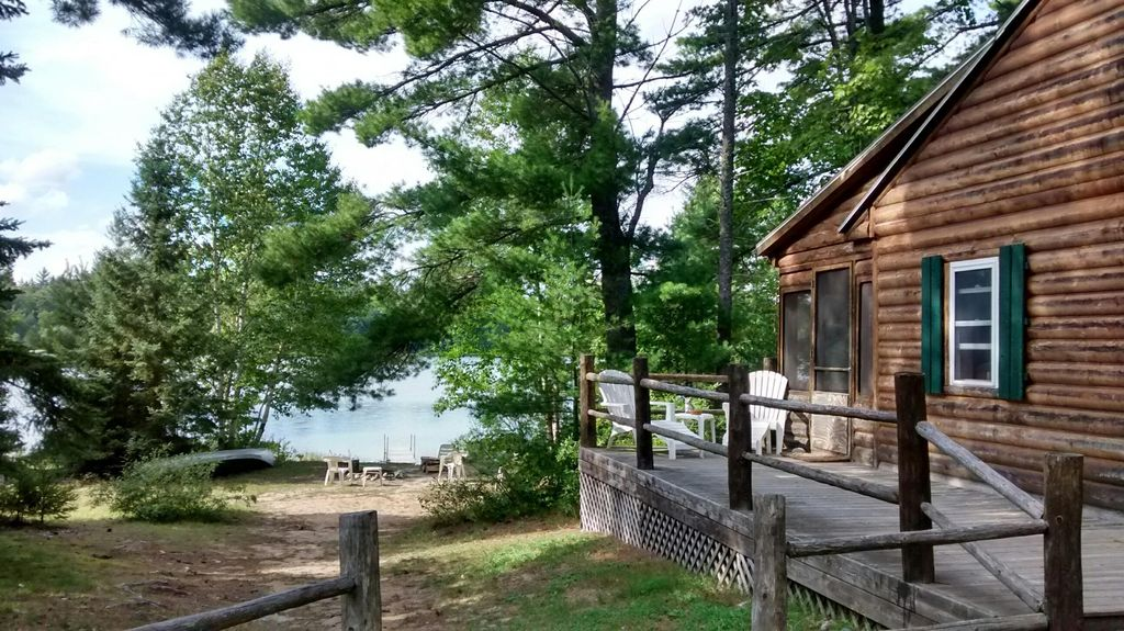 Secluded Log Cabin On It S Own Lake Awesom Vrbo