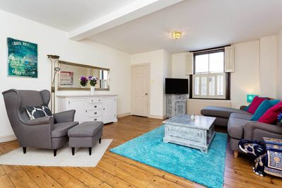 Only 20 Minutes To Oxford Circus Sleek 4 Bedroom Home In Kensington Veeve London Borough Of Hammersmith And Fulham