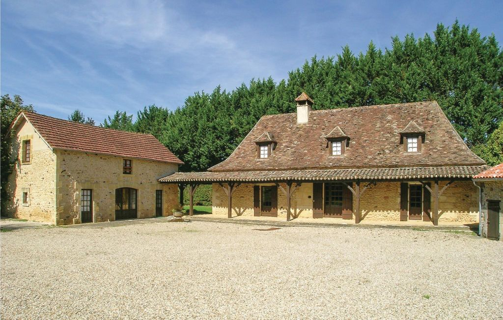 7 Bedroom Accommodation In Cendrieux Cendrieux