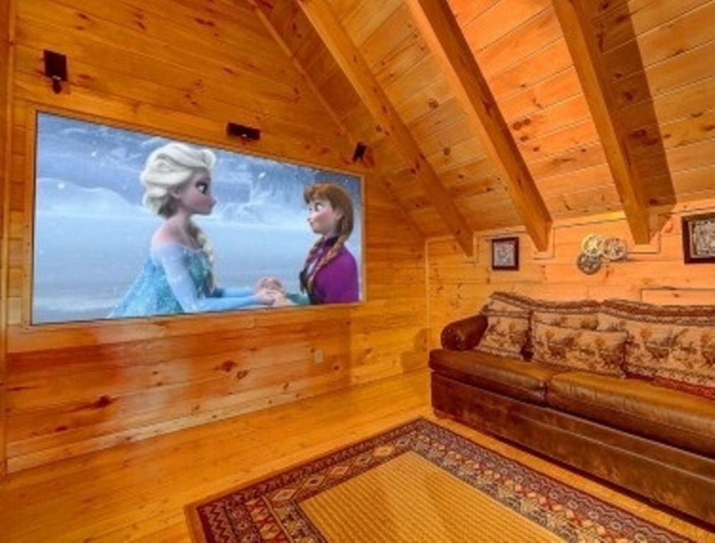 Awesome Cabin With Theater Room Wet Bar Pool Table