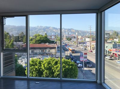 Luxury Corner Unit Apartment With An Amazing View Of Hollywood Hills Beverly Grove