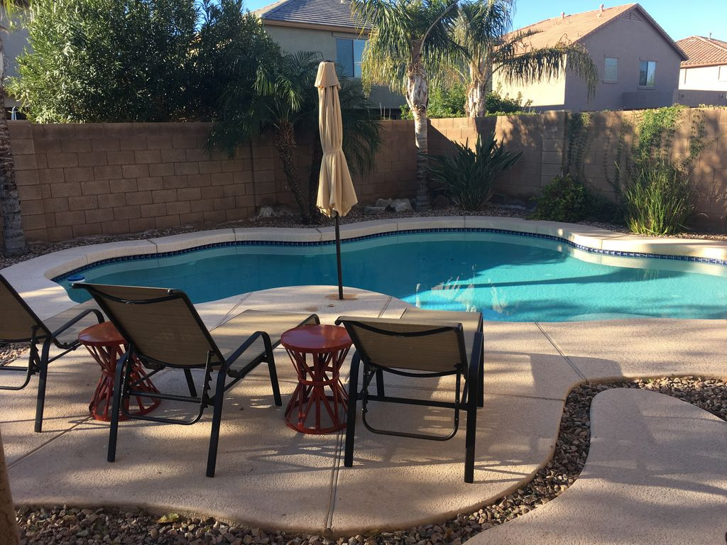 Private heatedpool 4 bedroom 3000 sq foot pool table complete with tiki bar  Surprise Farms