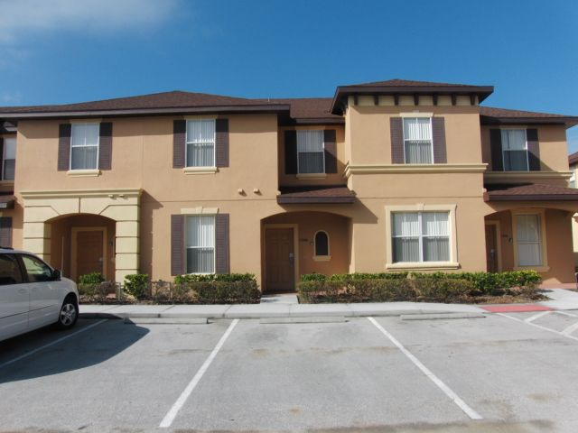 4 Bedroom  3 Bathroom Townhouse  Close to the theme