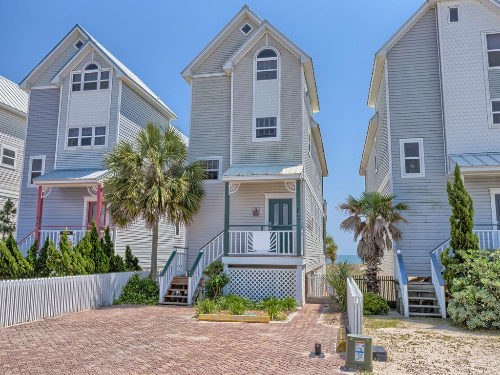 Chair Rentals Columbia Sc The Lite House 3br 3ba Pet Friendly Beach Vrbo