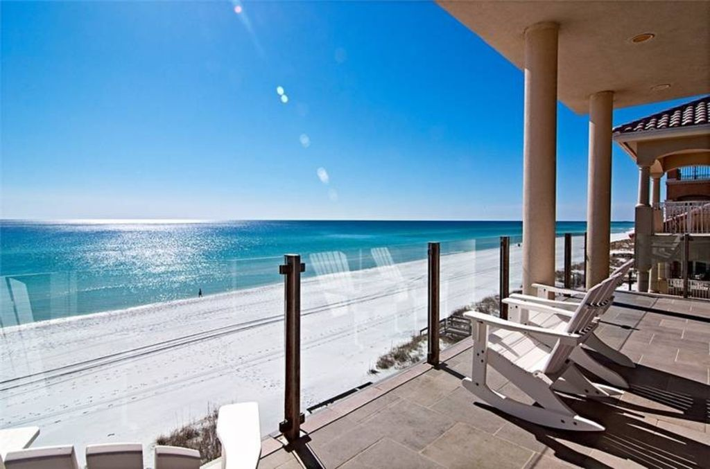 Maison Du Soleil Oceanfront Outdoor Living Area Renovated Sleeps Up To
