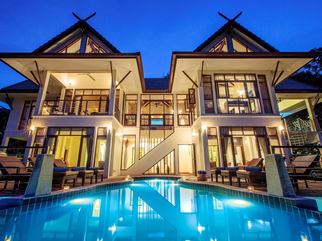 Luxury Villa For Rent And For Sale