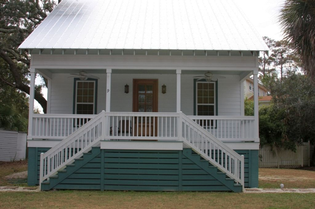 Family Friendly Beach House APRIL SPECIAL 3 Nights Total
