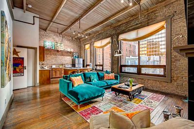 Of Downtown 2 Br Walk To Everything City Loft Penthouse Printers Alley Loft Downtown