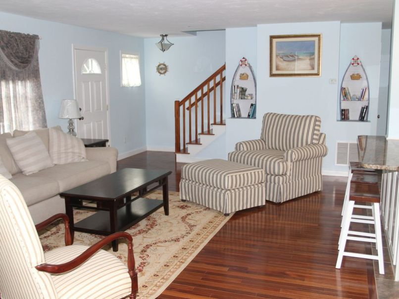 Cape Cod Living Room Furniture Layout