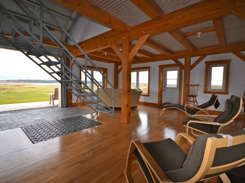 New Beachfront Postbeam Cottage Amazing Sunsets and Just