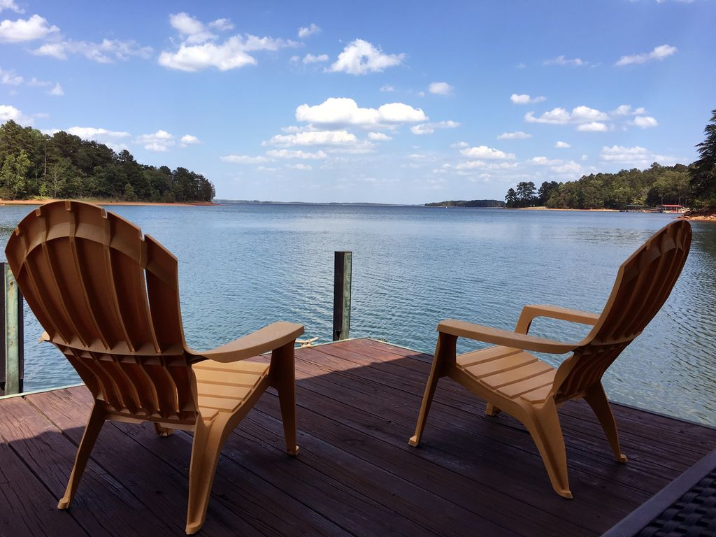 Its A Great Dam View LAKEFRONT FamilyFriendly 4BR3B
