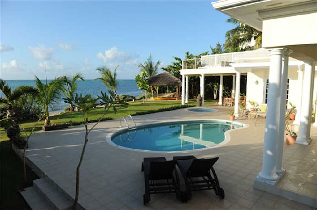 Picture Perfect Oceanfront Villa With Private Pool