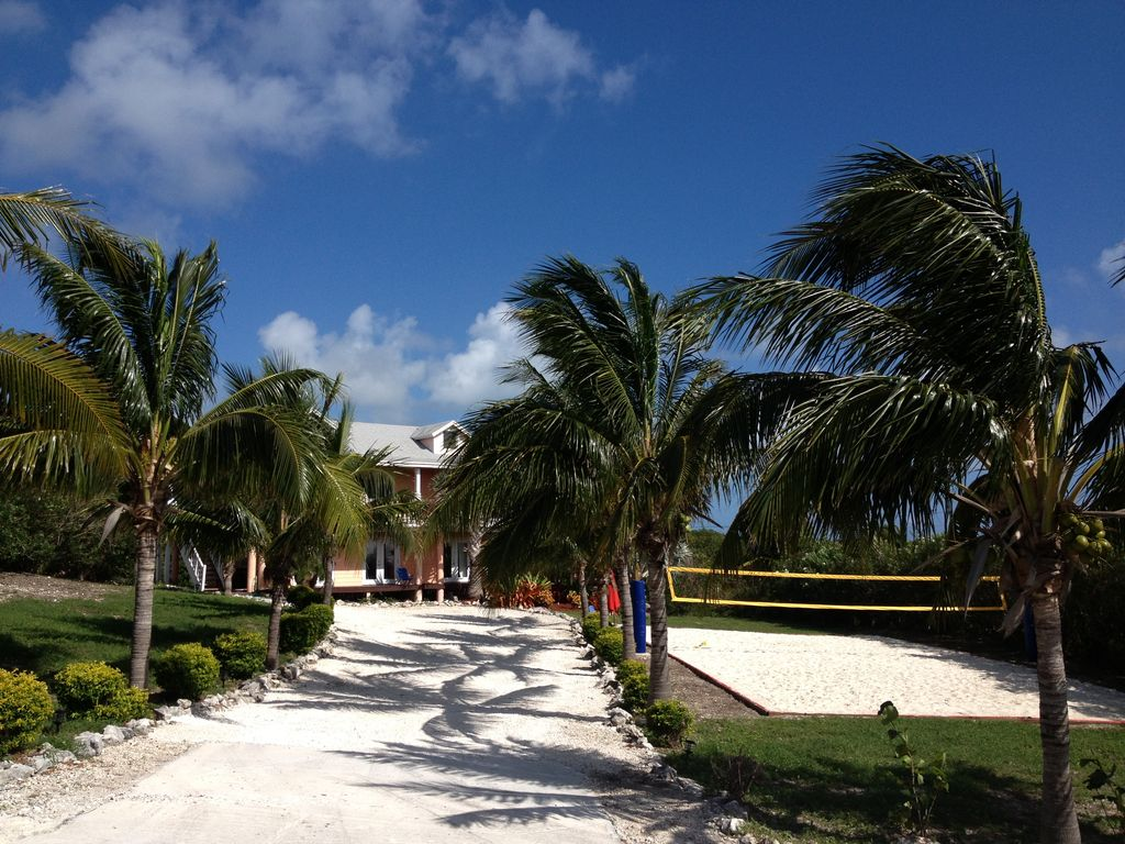 Plantation Style Home overlooking breathtaking beachTotal Privacy  Great Exuma The