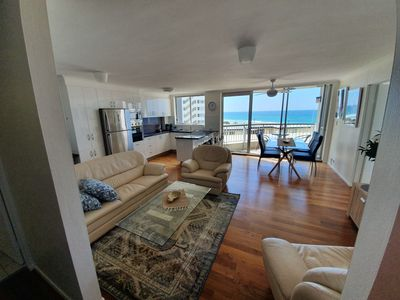 Kupari Surfers Paradise 2 Bedroom Oceanview Apartment