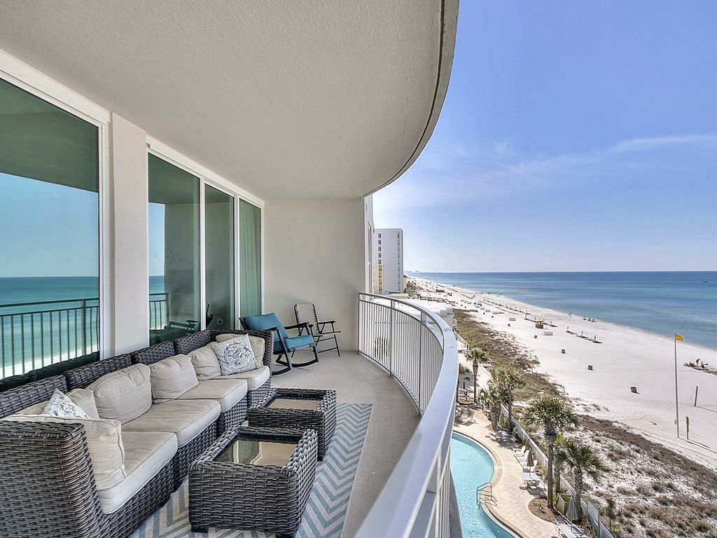 sedan chair rental best recliner for sleeping 3 bd 3ba 4 beach chairs great location and homeaway