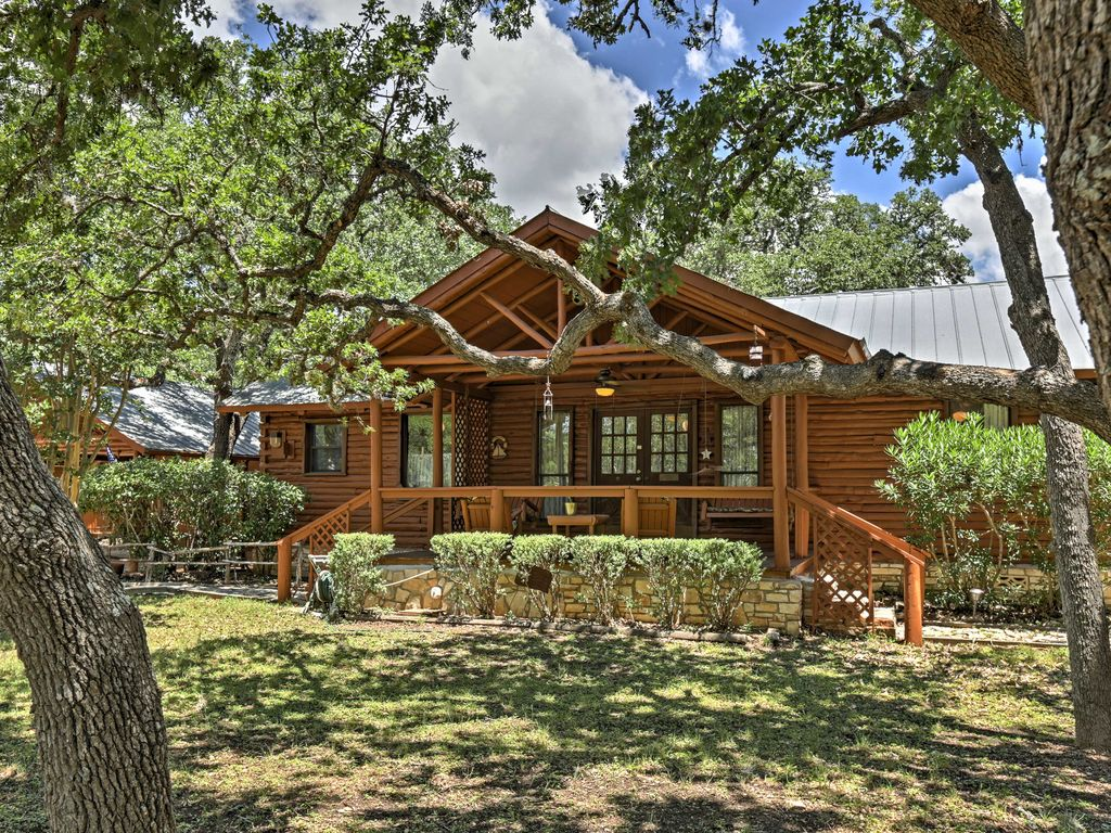 2 Canyon Lake Cabins  3BR Total  on 27 Acres  Canyon Lake