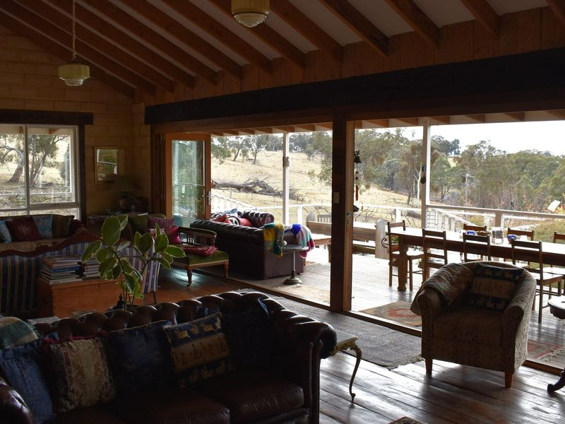 7 sofala st portland anton reclining 2 seater sofa mountain view escape a lithgow farmstay stayz 1 of 24